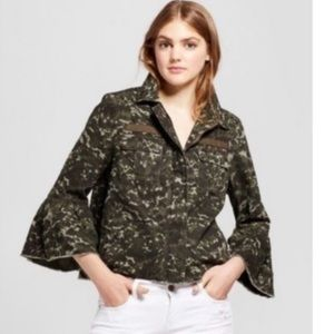 Mission camo cropped jacket - size Small